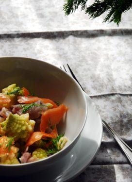 Pablo's weekly menu (21 months) & a pastel Romanesco salad