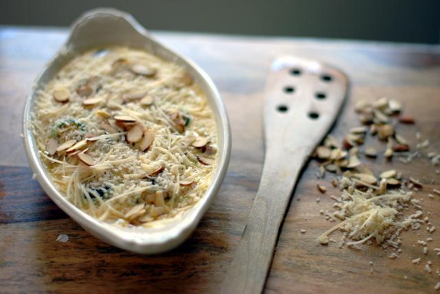 Zucchini gratin with cheese