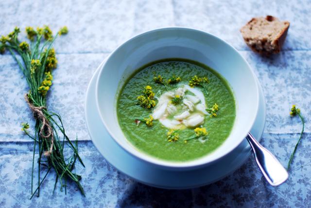 a bowl of avocado asparagus soup